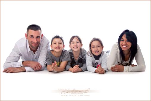 Nora et Yannick en amoureux et avec leurs enfants